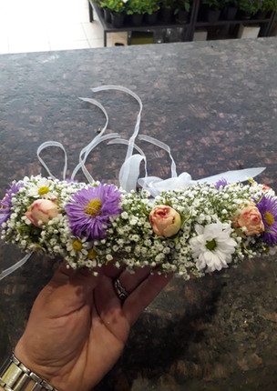 Fellner Blumen Hochzeitsfloristik Kopfschmuck die Brautjungfern