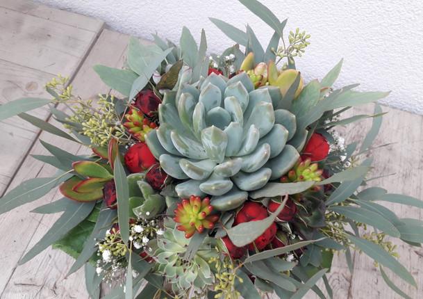 Fellner Blumen Hochzeitsfloristik Naturbrautstrauß