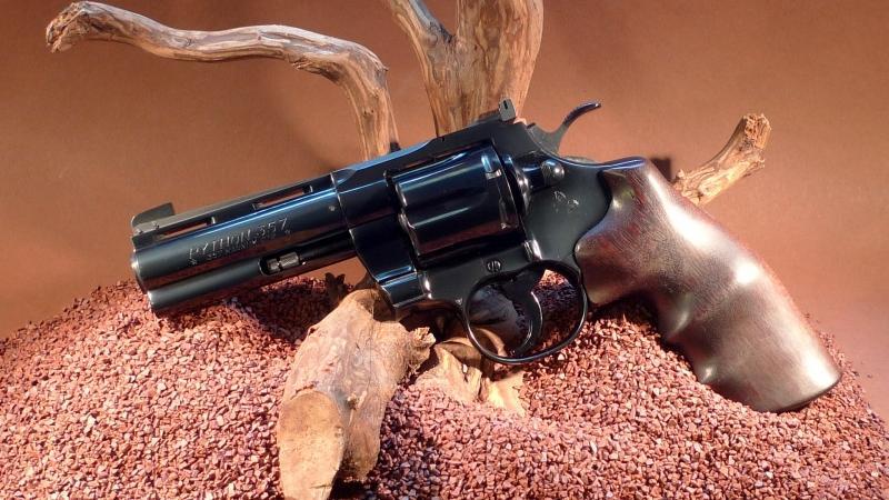 "Colt Python 4"""
