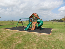 Large Playsets (Landscaping)