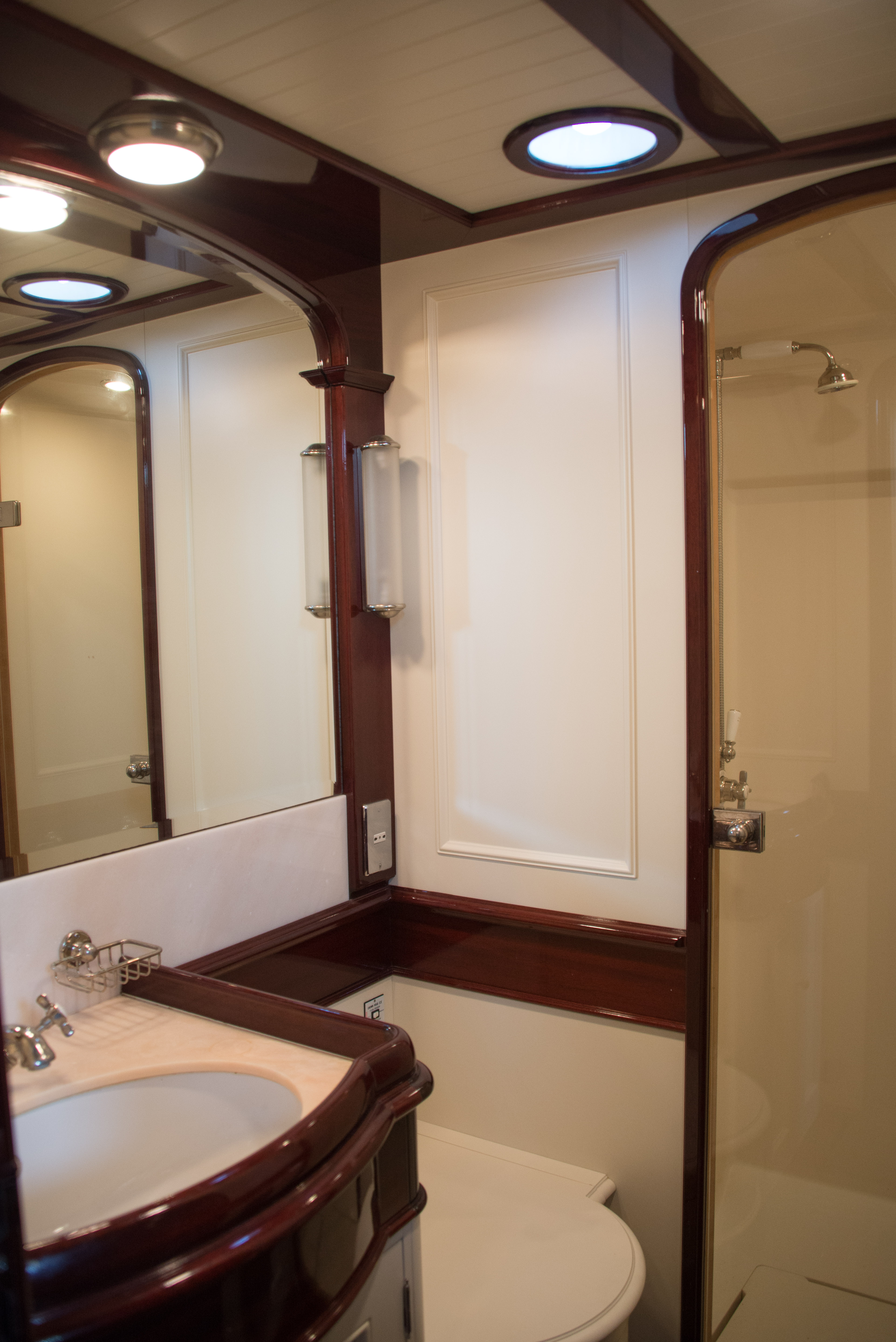 aft-bathroom-4jpg