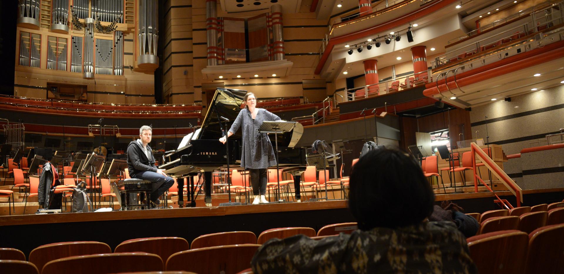 Premiere Tagore Fireflies op Debussy Festival in the Symphonyhall in Birmingham