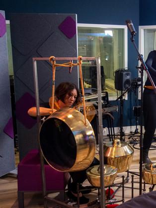live uitzending bij Radio 4 Met Emma Emma Breedveld en Ilyass Nadjafi