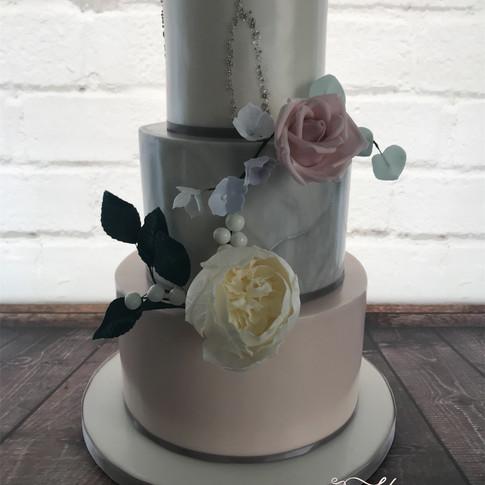 blush shimmer wedding cake.jpg