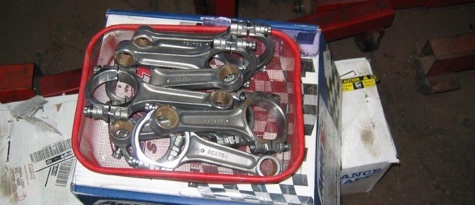 mustang engine 003.jpg