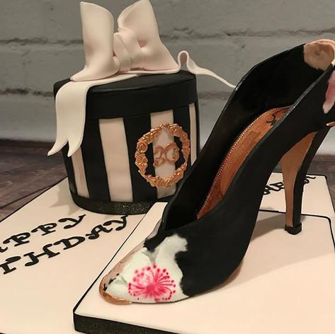 Sugar shoe fashion cake
