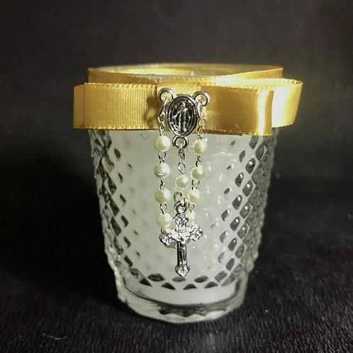 Vela copo bico de jaca e mini terço para lembrança Batizado
