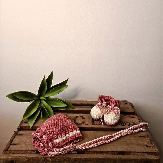 Baby-  Zipfelmütze und Strickschuhe