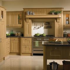 Lissa Oak Cambridge Kitchen