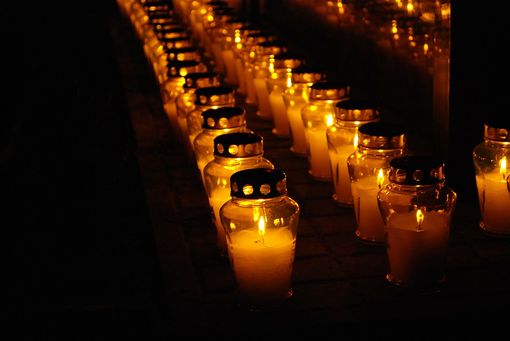 Cemetary candels