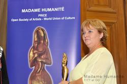 Madame_Humanité_16_055
