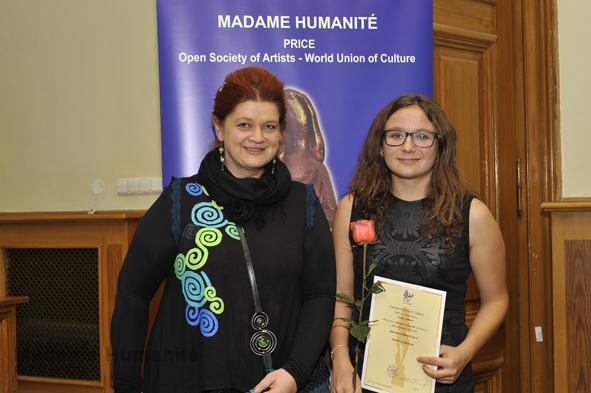 Madame_Humanité_16_059