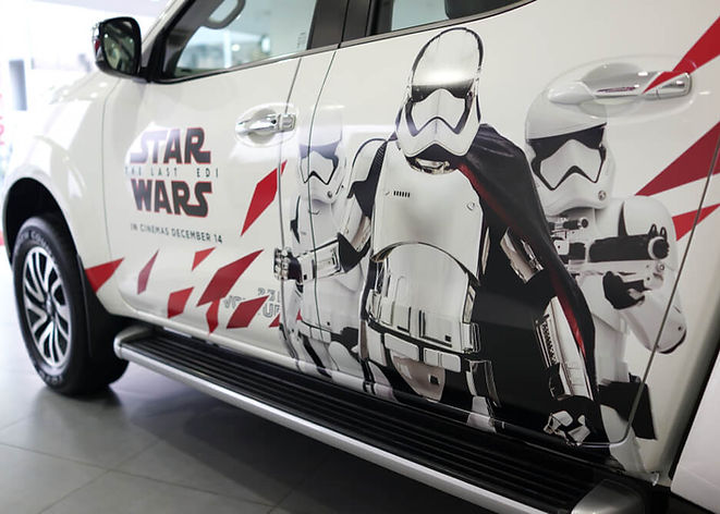 Carro adesivado star wars.jpg