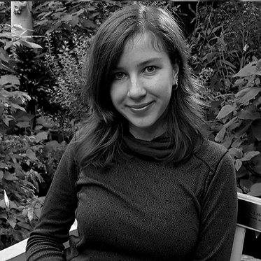 WERONIKA KOSTKA – Media and communications