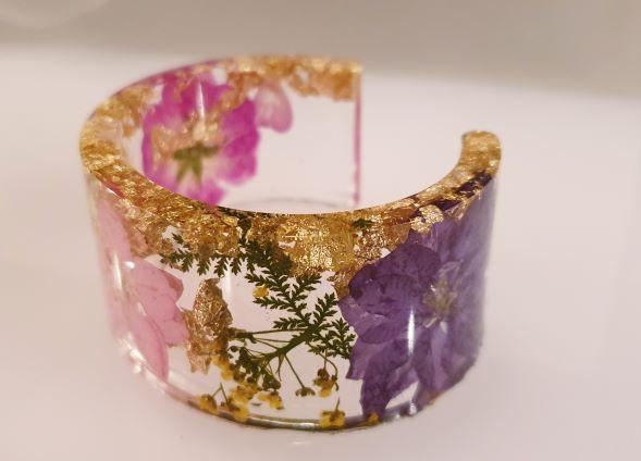 resin flower bangle.jpg