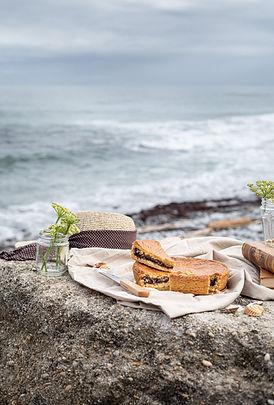 Photographie culinaire - Gâteau basque au bord de l'océan