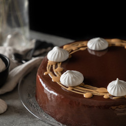Entremet chocolat, caramel & vanille