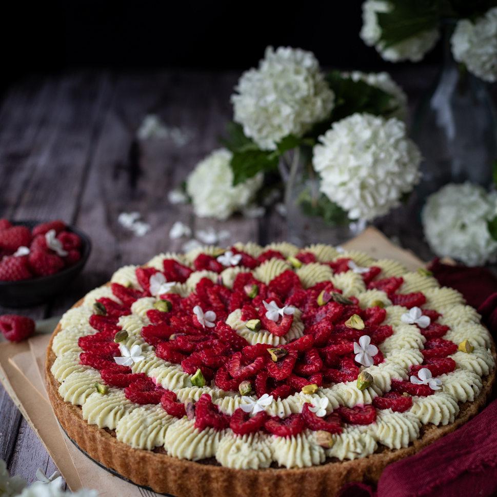 Photographie culinaire - Tarte framboise et pistache