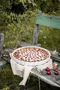 Photographie culinaire - Clafoutis aux cerises à l'extérieur
