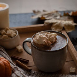 Pumpkin spice hot chocolate I Chocolat chaud à la courge