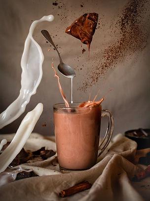 Photographie culinaire - Boisson chocolatée et lévitation