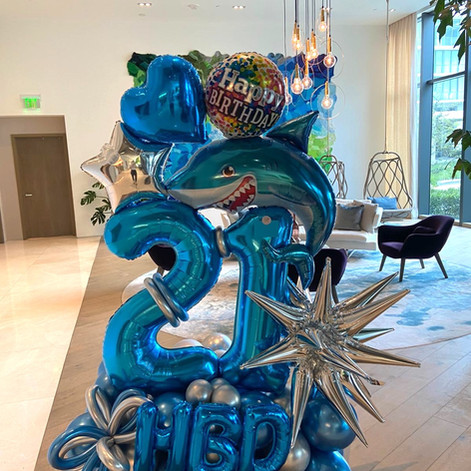 Oceanic Balloon Creative Sculpture.JPG