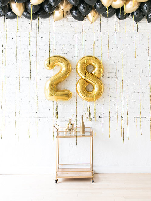 Glitzy Fitz Birthday Balloon Decor