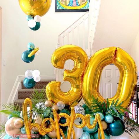 Tropical Birthday Balloon Scultpure