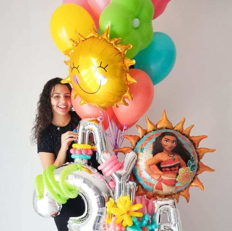 Moana Balloon Scultpure