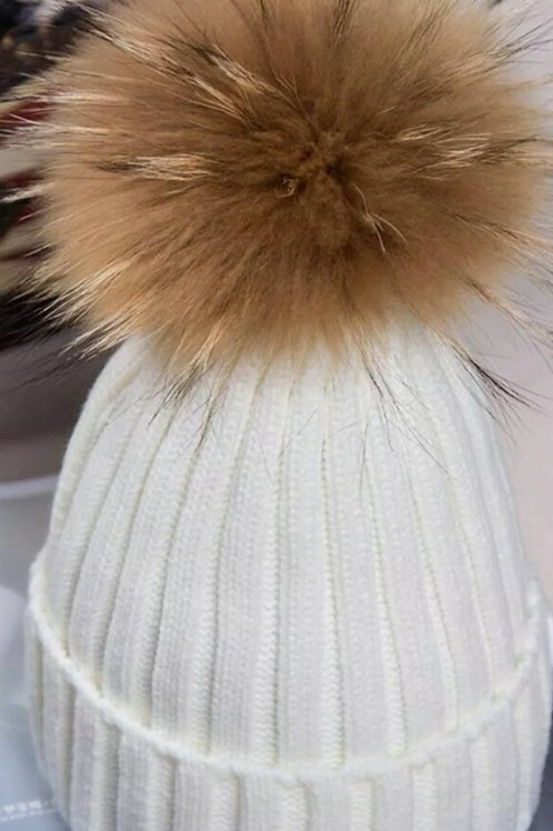 Bobble hat in Winter White