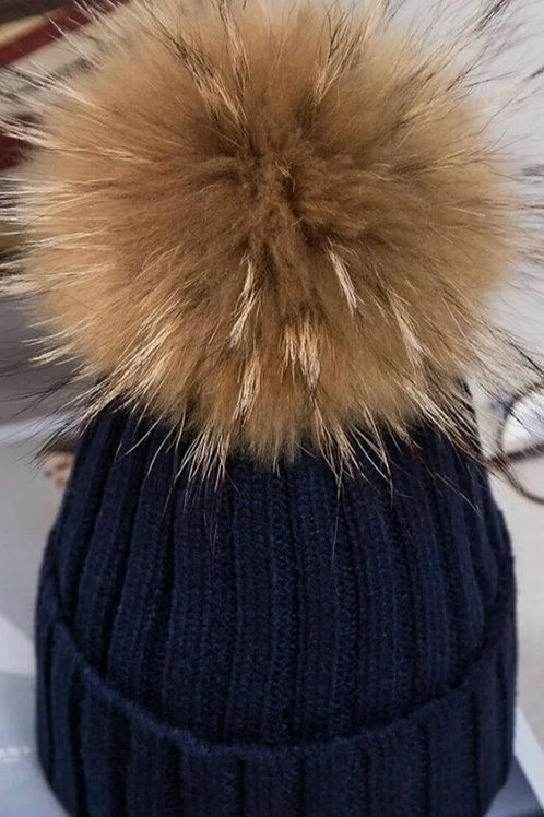 Bobble hat in Navy