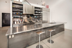 Kitchen. Stainless steel and steel.