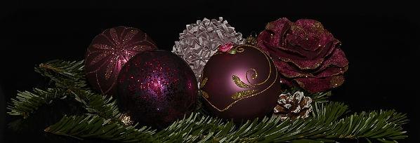 maroon christmas-balls-1830358_1280.jpg