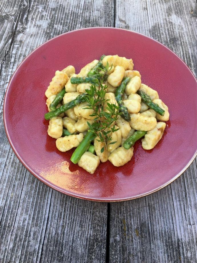 Gnocchis aux morilles et asperges vertes pour 4 personnes