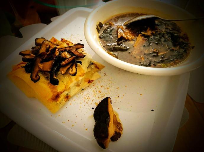 Consommé & millefeuille aux champignons Japonais et algues pour 2 personnes