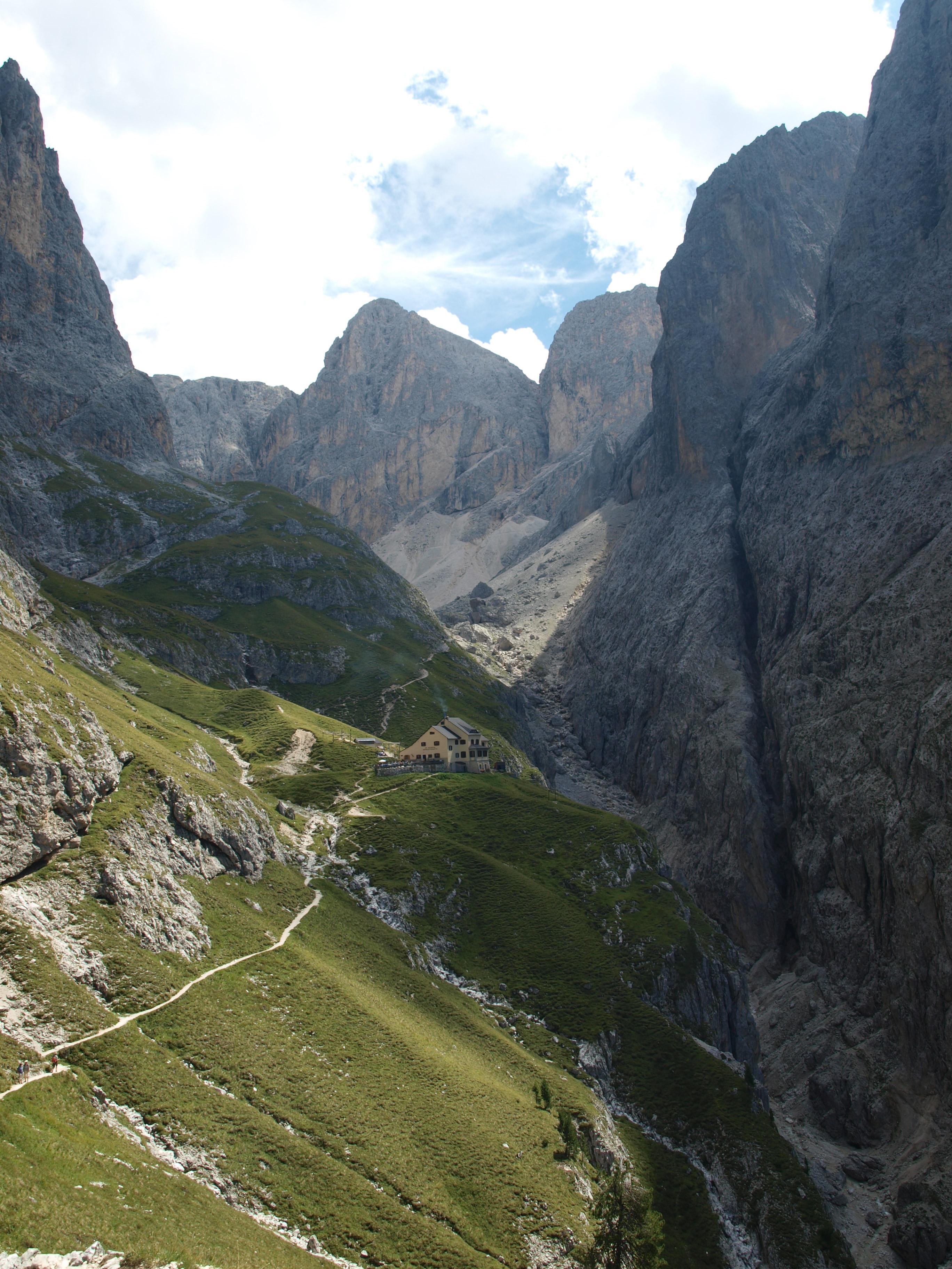 Il Rifugio Bergamo e la Val Ciamin