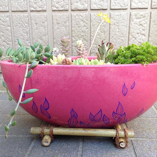 植木鉢② FRPに描画しウレタン塗装