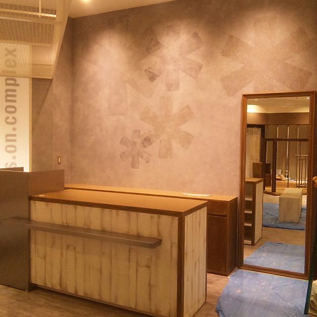 店舗内壁/海綿を使った塗装・什器エージング塗装
