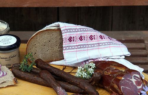 Familie Uitz Lamm Lammfleisch Brot