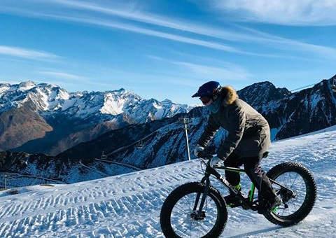 Solo en fat bike à Luz Ardiden