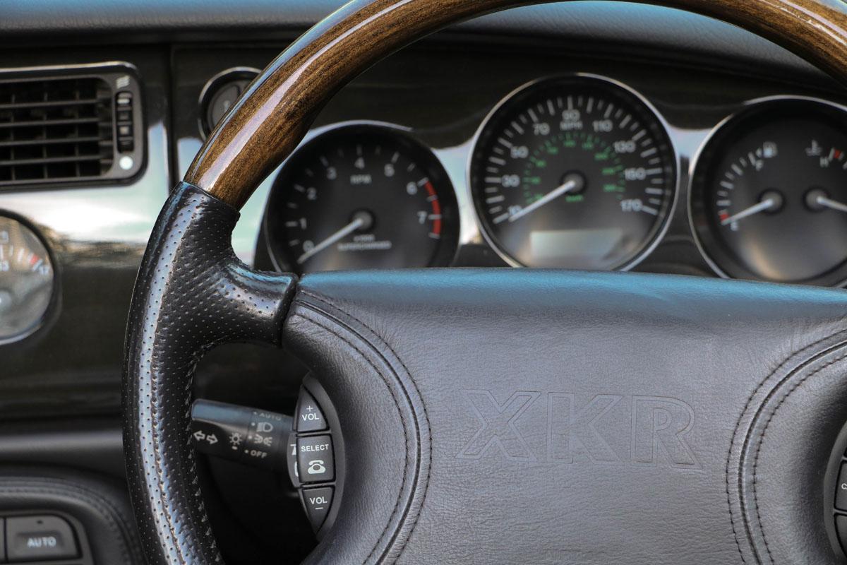 jaguar-xkr-cab-12