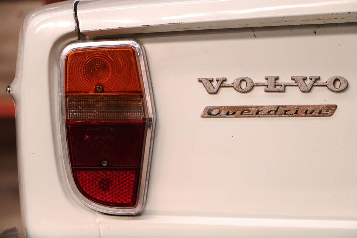 Volvo 142 S