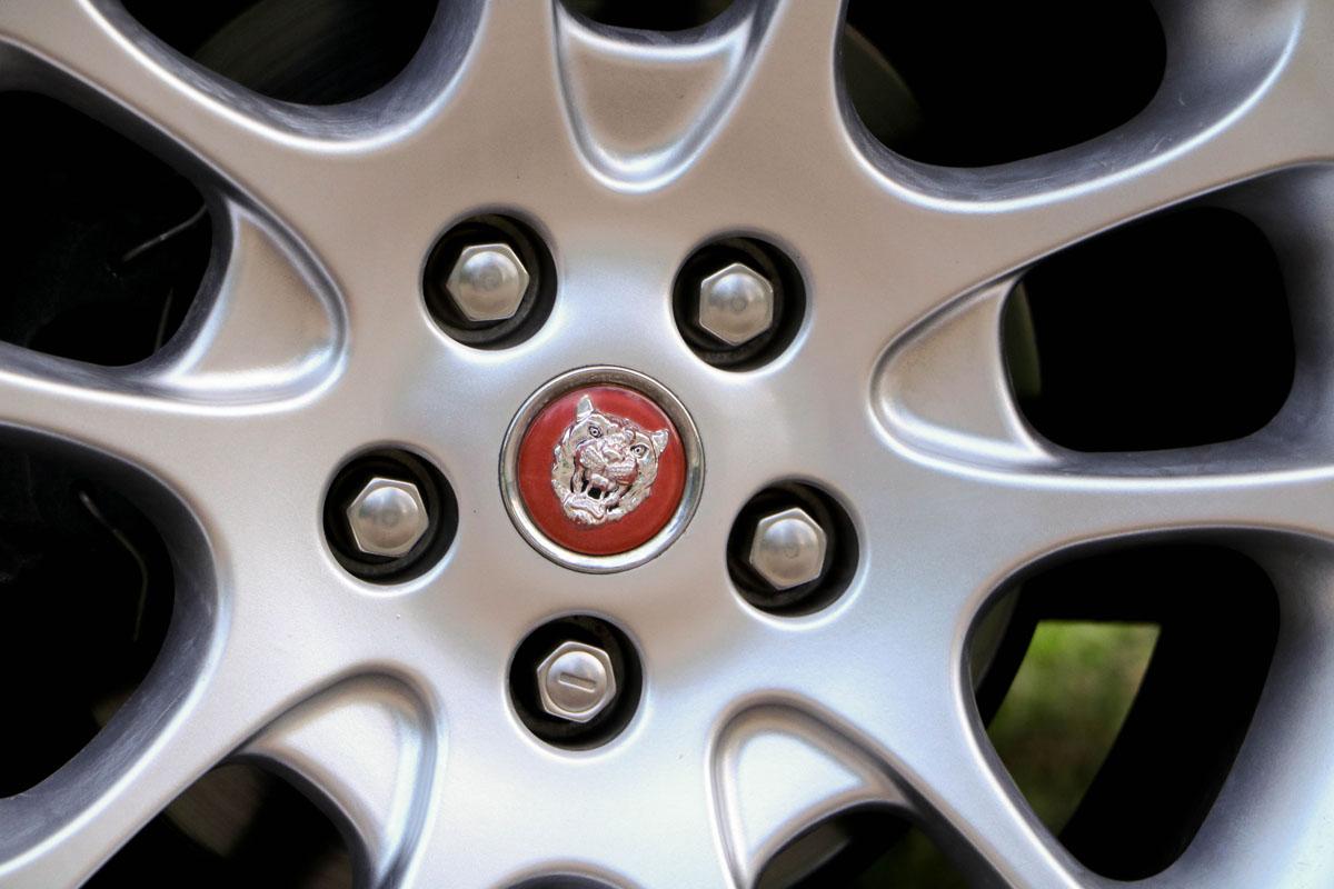 jaguar-xkr-cab-10