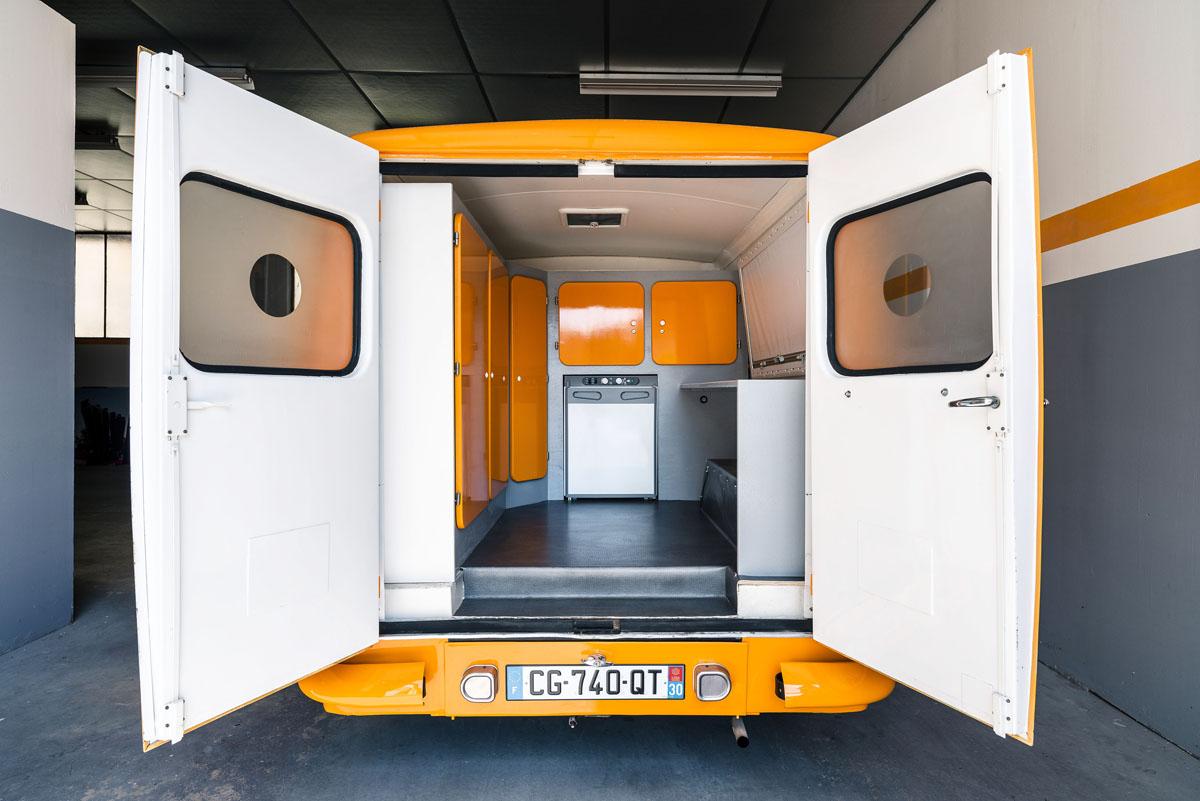 Peugeot 403 ambulance