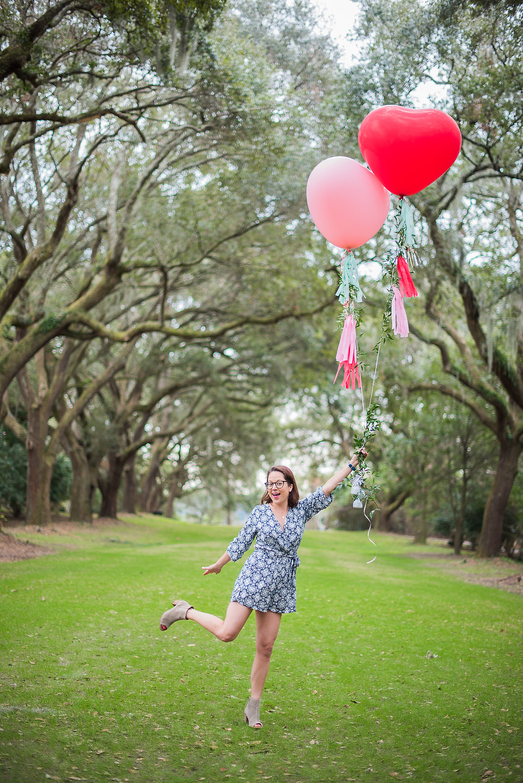 Former Yoj Bride, Liz, none other than the chic Charleston Weekender, recreates a wedding memory on the avenue!
