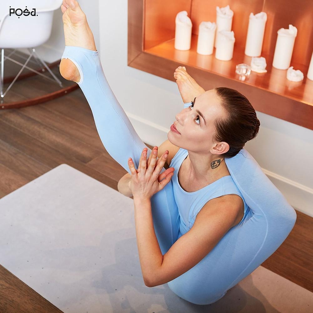 Комбинезон с чашечками для йоги