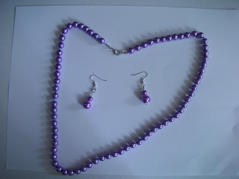 collier perle mauve