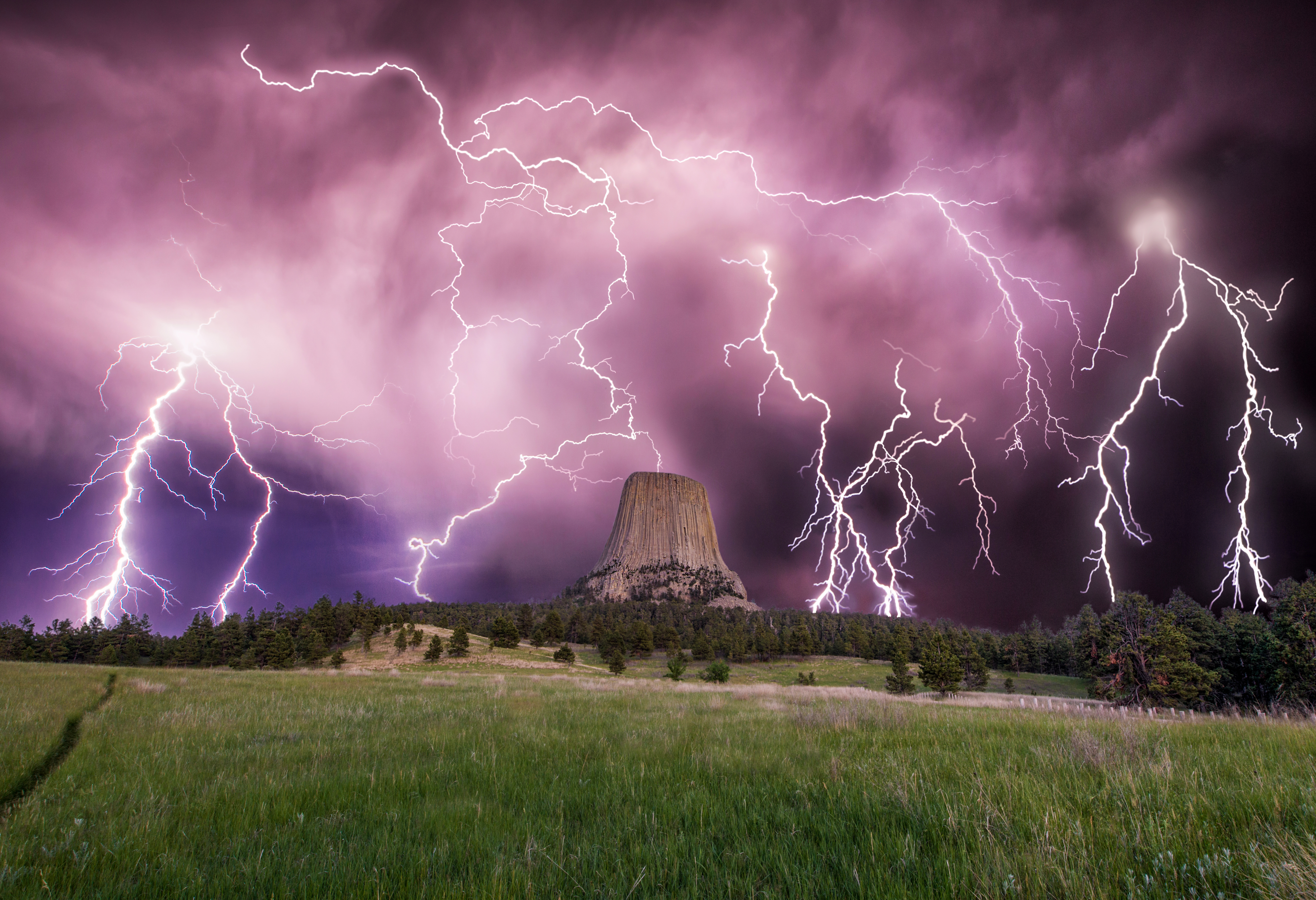 Devils Tower, Lightning
