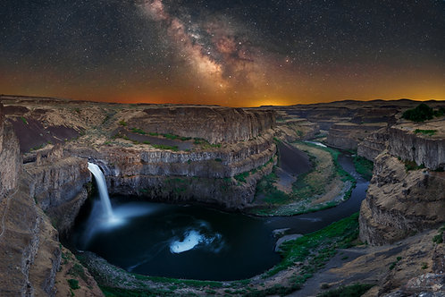 Palouse Falls at night, Washington