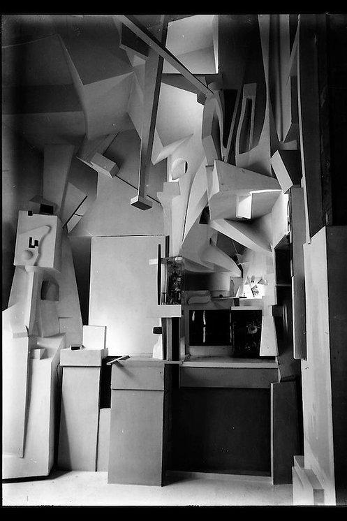 Kurt Schwitters' Merzbau, Hannover 1933